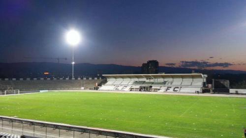 """Стадион """"Локомотив"""" Пловдив - частична преработка на проект и изграждане на осветителна система в съответствие с нормите на UEFA TV-2010  / Осветление на спортни съоръжения"""