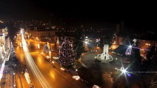 Експлоатационна поддръжка на улично осветление в Община Велико Търново  / Улично осветление